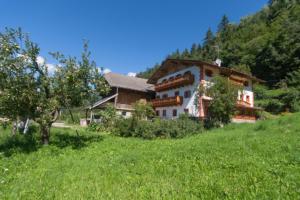 Urlaub auf dem Puntschiedhof in idyllischer Lage in den Dolomiten